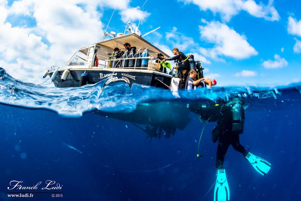 Un bateau Mio palmo avec nos plongeurs de la journée