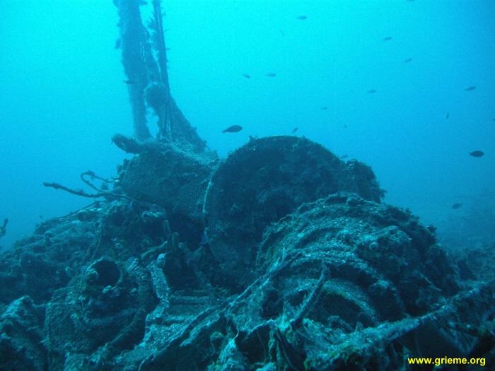 Epave bateau l'aznavour' porquerolles pour plongée PADI advanced open water