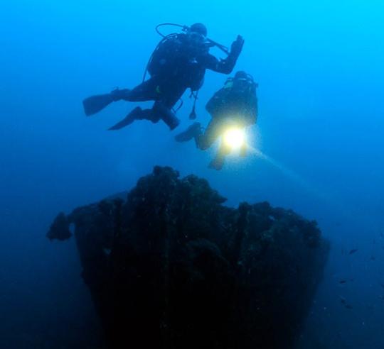 Le Trafik, épave bateau réservé aux plongeurs expérimentés à Cavalaire-sur-Mer